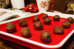 Chocolate Peppermint Bonbons Recipe - roll dough into balls