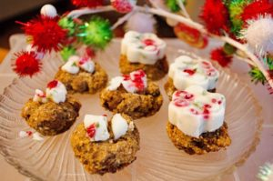 Minty carob liver bonbons for dogs